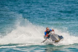 Jet-ski, téléski et ski nautique...