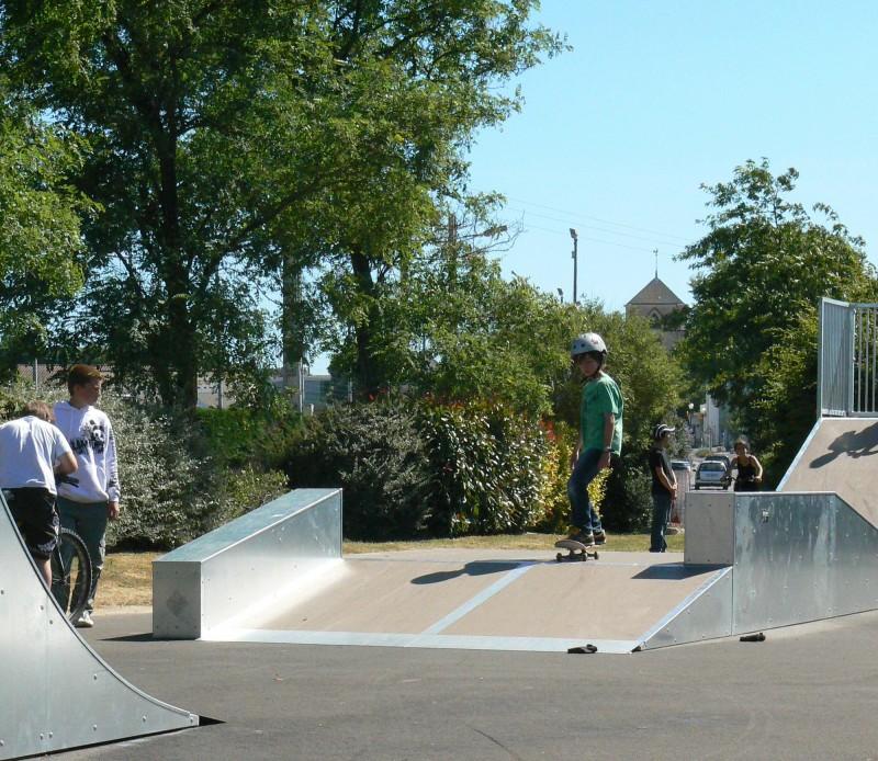 Skatepark und Klettermauer