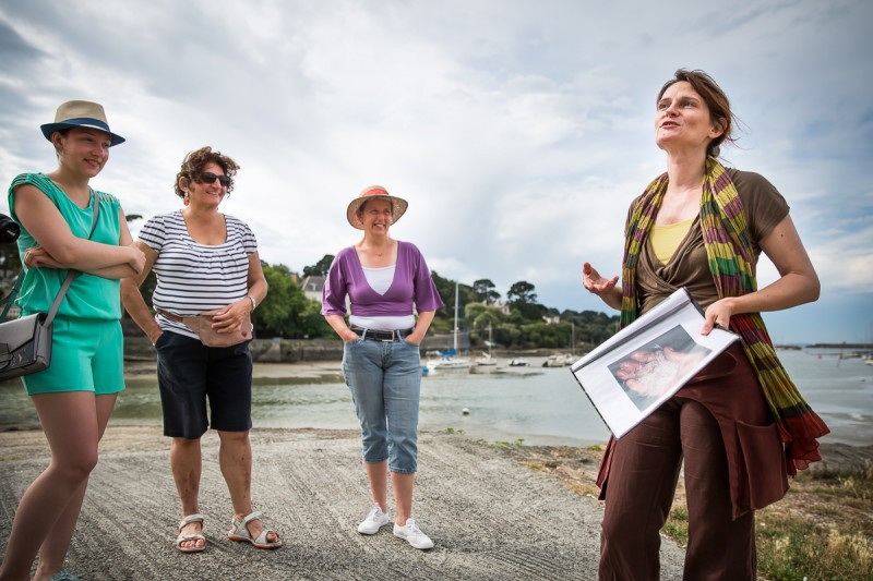 Guided tours on foot