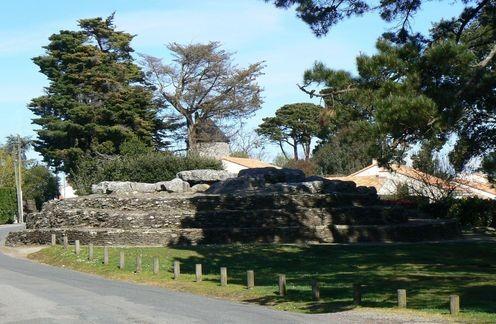 tumulus-des-mousseaux mégalithe dolmen allées couvertes
