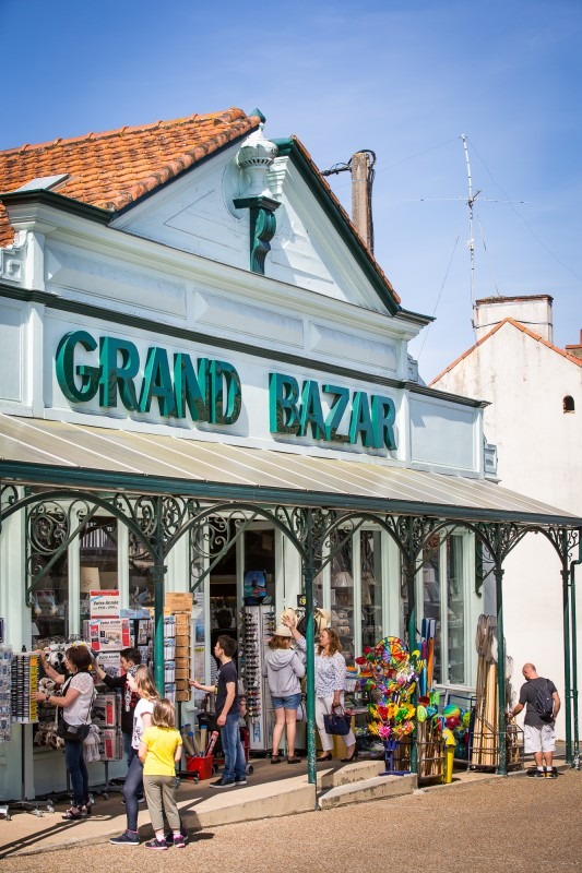 le-grand-bazar-basse-definition-1-sur-38-1462