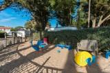 Aire-de-jeux-camping-du-bord-de-mer-St Michel