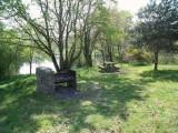 Aire pique-nique autour de l'étang du Val Saint-Martin