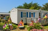 Bungalow Camping La Madrague Pornic, pornic camping, campings pornic, proche mer, plage,roulottes,piscine chauffée, toboggans, jeux, enfants