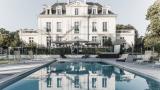 piscine, vue du chatetau, terrasse de la piscine