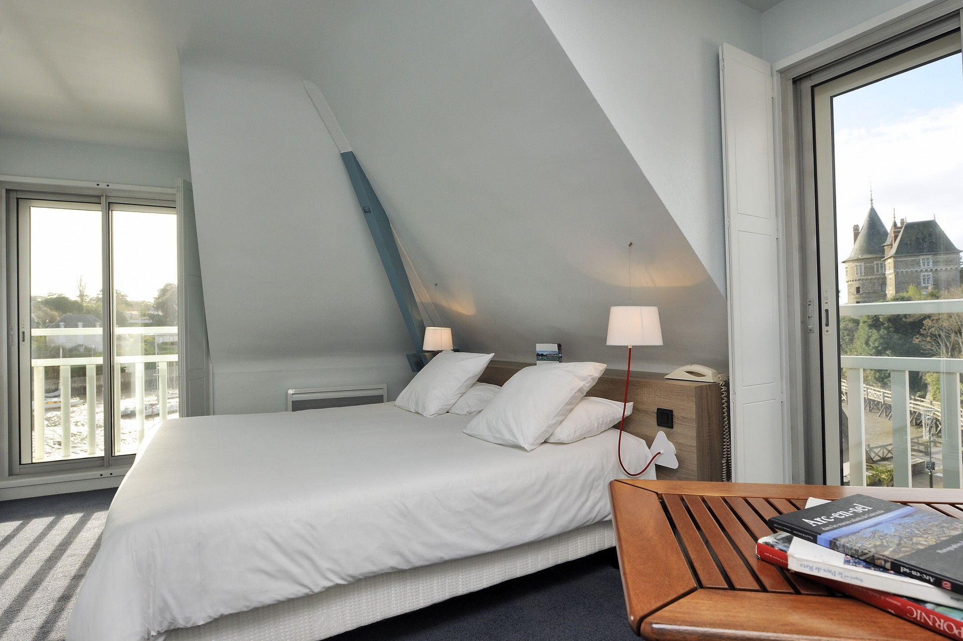 Chambre, pornic hotel, hotel Beau soleil, vieux port, vue mer, centre ville