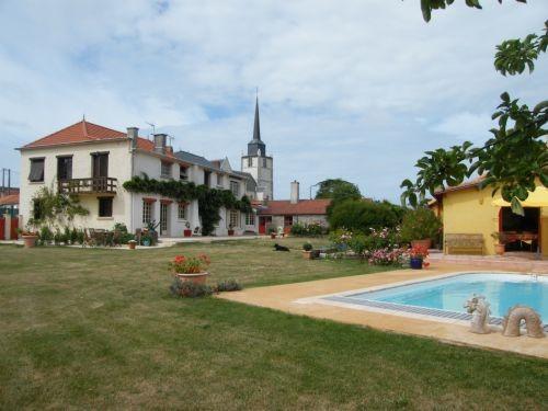 exterieur, jardin, piscine Le Clos de Retz, pornic, le clion, chambre d'hotes, charme, jardin, loire atlantique, 44, piscine,