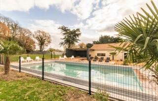 piscine-exterieure-gite-le-bois-des-treans-11286