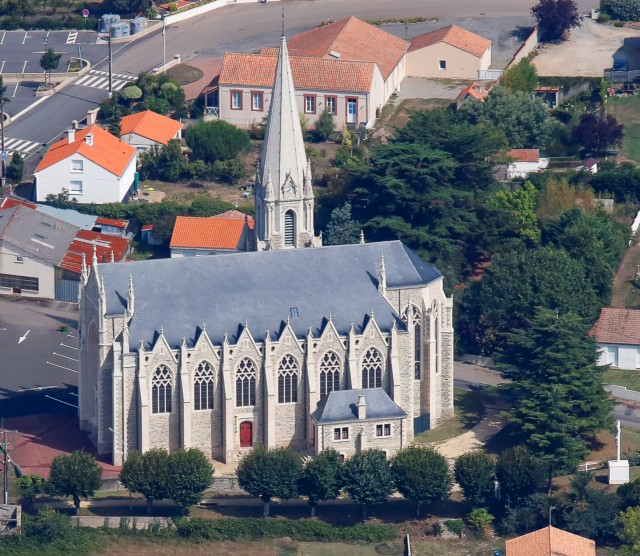 Photo aerienne Eglise de Saint Cyr en Retz
