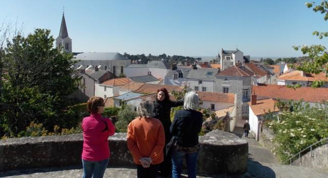 Vue du Calvaire en cours de visite guidée