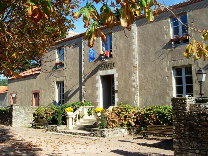 Mairie des Moutiers en Retz