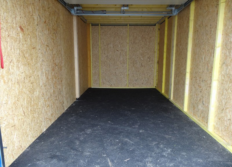 boxes de stockage, réserve stock, stockage matériel, garage