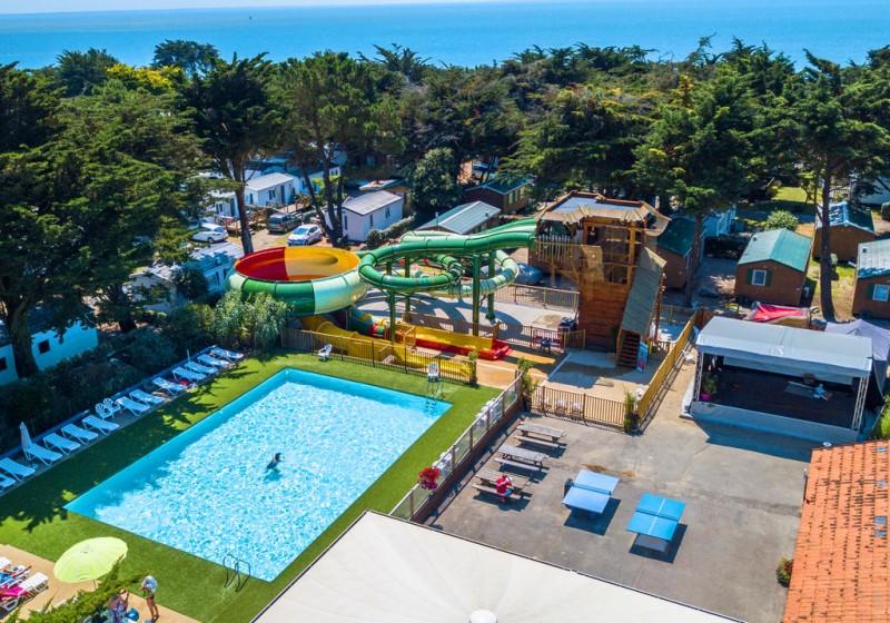 Camping La Madrague, allée du campig, pornic, proche mer, plage,roulottes,piscine chauffée, toboggans, jeux, enfants