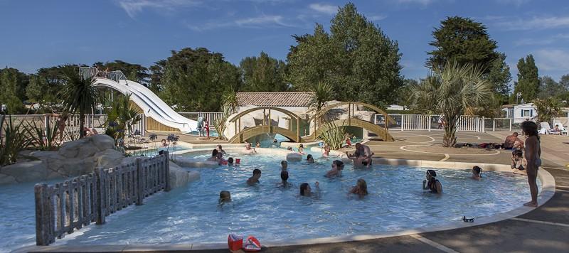 camping, port, collet, mer, marais, 4 étoiles, roulotte, piscine, piscine couverte, plan d'eau, vélodyssée