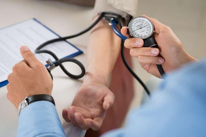 dr eumont denis, chaumes en retz, arthon, chemere, docteur, soins, prise de tension, maladie