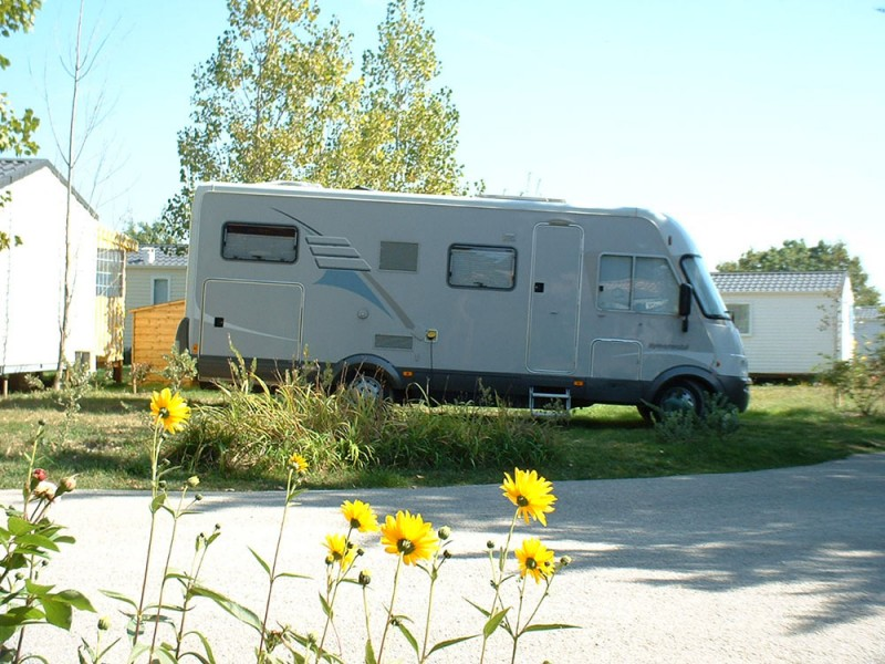 camping car, aire de stationnement camping car, tharon, st michel chef chef, ravitaillement, emplacement