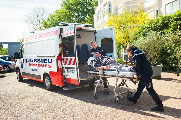 Jussieu Secours ambulance
