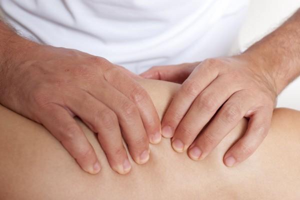 masseur-kinesitherapeute-adam-gregor-fotolia-com-10869