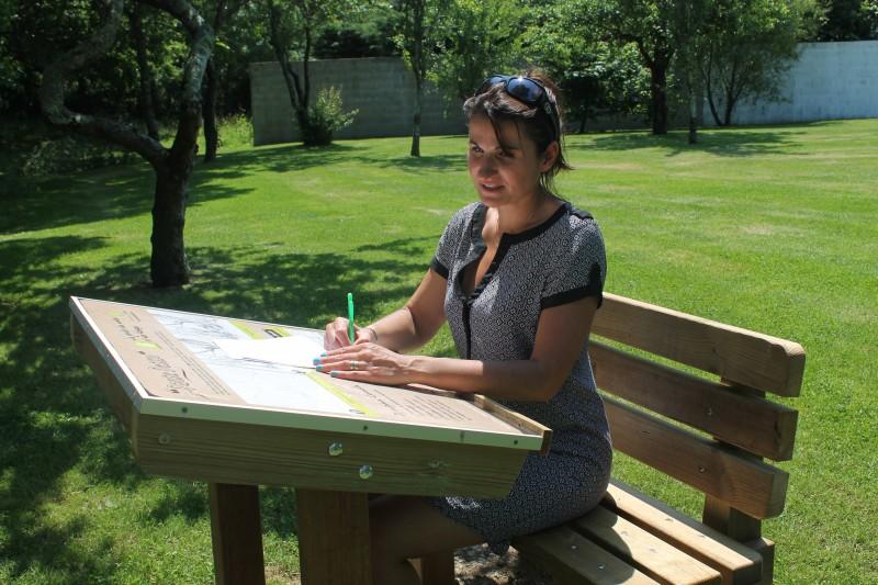 la plaine-sur-mer, jardin des lakas, pause dessin, dessin, peinture, croquis, dessiner, pupitre, banc, pastel, crayons de couleurs