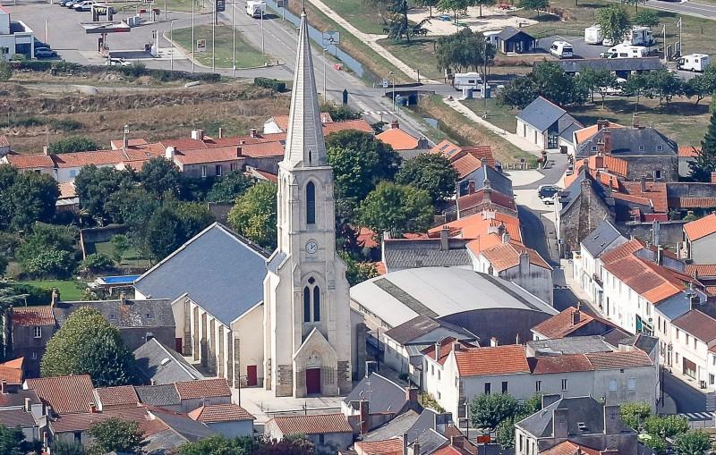 Photo aerienne Eglise de Bourgneuf en Retz