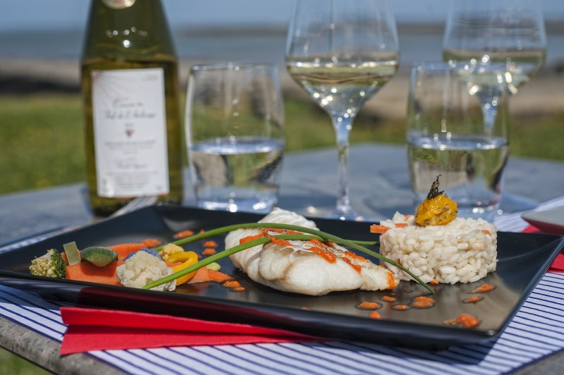 Restaurant La Tara - La Plaine-sur-Mer, coin enfant, face mer, wifi, terrasse, crêpe