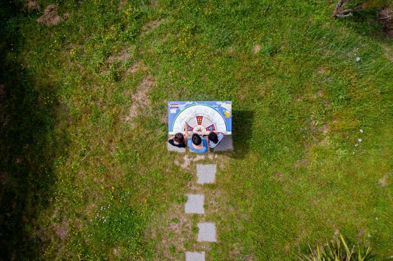 villeneuve-table-orientation-st-cyr-lephotographedudimanche-bd-1-16861