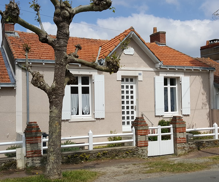 Pornic maison t3 situee a 400 m du vieux port for Garage auto pornic