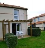 Arrière maison avec terrasse - MAEV1