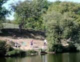 Pêcheurs à l'étang du Val Saint Martin