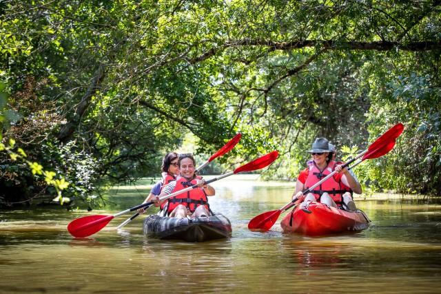 Balade en Kayak au fil de l'eau sur le canal de Haute Perche à Pornic