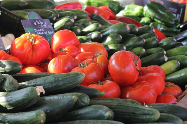 Marché alimentaire de saison à la Plaine-sur-Mer