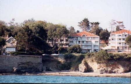 Vue de la résidence depuis la mer -VAL48 -