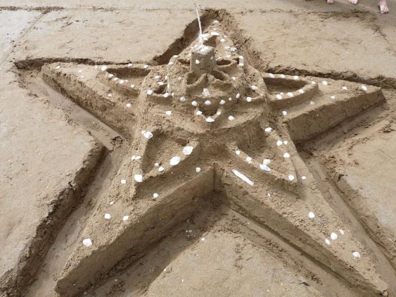 Concours de châteaux de sable-St Michel