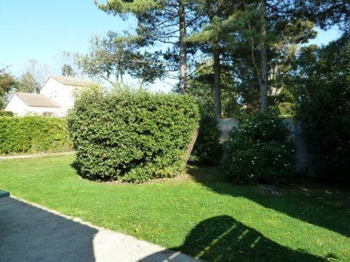 Jardin à l'arrière de la maison - HAUT4