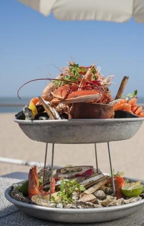 pornic restaurant plateau de fruits de mer coquillage crustacés hotel