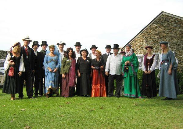 Les bénévoles assurant la visite commentée du château