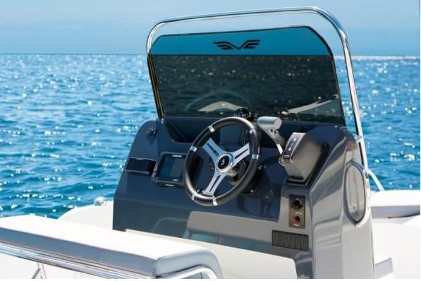 Voiliers Bénéteau, Bateaux moteur, Location bateaux , Moteurs neufs Suzuki, moteurs d'occasions, occasion voiliers